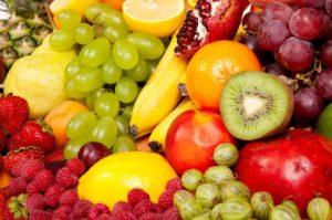 При заболеваниях почек можно есть фрукты